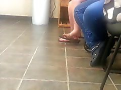 Candid Teen Flip=Flop Shoeplay Dangling Feet