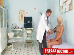 Hot legs blonde Eliss Fire clinic fetish with daddy doctor