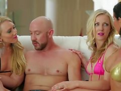 Karla Kush Threesome (HUUU)