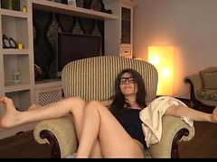Hot amateur teen girl toying pussy in bed on webcam