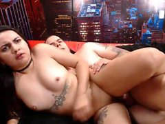 teen molly p fingering herself on live webcam