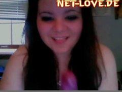 chubby girl masturbates on webcam