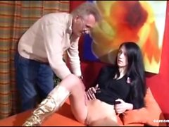 Extrem versaut - Deutsches Teen vom Vater beim Masturbieren