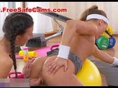 fitnessrooms amazing asses on show before lesbian babes fuck 720p movie