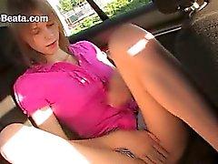 finger my girlfriends cunt in a car