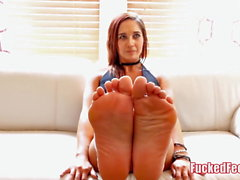 Sexy Teen Autumn Loves to Have Her Feet Worshiped for Fucked