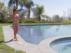 Elizabeth Bentley Outdoors Masturbation