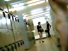 Spying gorgeous amateurs in dressing room