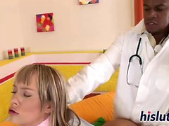 Teenager gets rammed by her black doctor