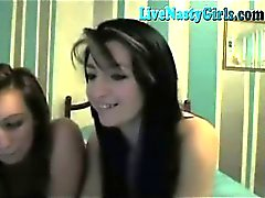 2 Hot Girls Kissing And Fingering 3