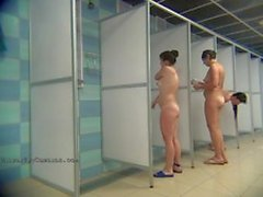 Hidden camera in the public shower catches chicks showering