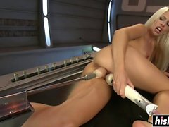 Sexy Jessie Volt gets ,machine fucked