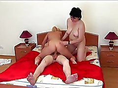 Amateur Wife Join To Teen Couple In Bed - LostFucker