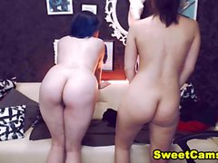 Teen Lesbians Gets Horny And Start Pleasing Each O