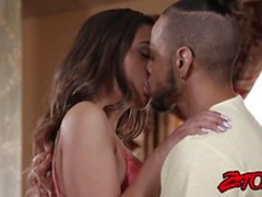 Kinky Jaye Summers has young creampie after BJ