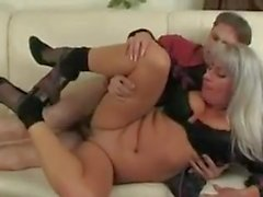 A few younger guys fucks older women !